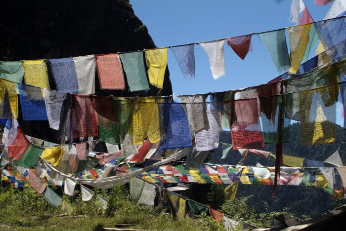Kleines Drachenland am Rande des Himalajas