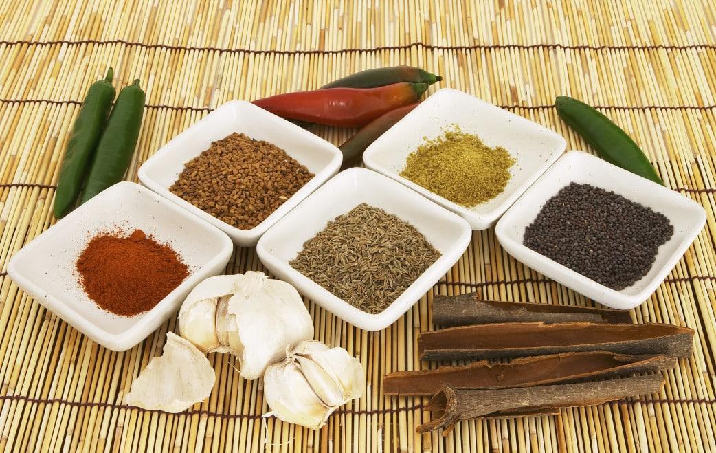 Traditionelle singhalesische Küche auf einer Sri Lanka Rundreise ...