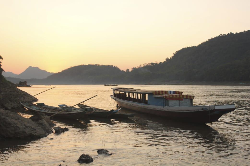 mekong kreuzfahrt durch laos auf dem schiff durch laos. Black Bedroom Furniture Sets. Home Design Ideas