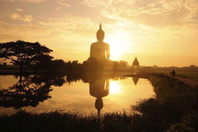 Buddha Satue in der Sonne - Thailand
