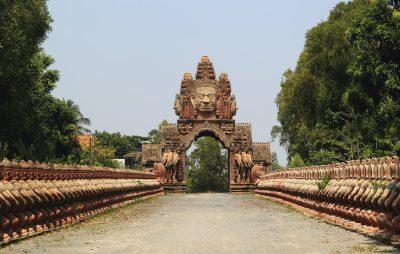 Laos Kambodscha Gruppenreise -Kambodscha Individualreise - Aktivreise Vietnam Kambodscha -Buddhas Tor - Phnom Peng