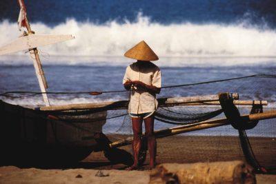 Indonesien Gruppenreise -Bali Rundreise -Fischer am Meer - bei Sanur - Bali Indonesien