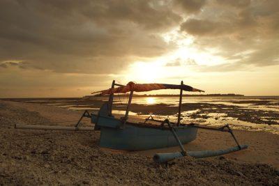 Fischerboot im Sonnenuntergang - Lombok