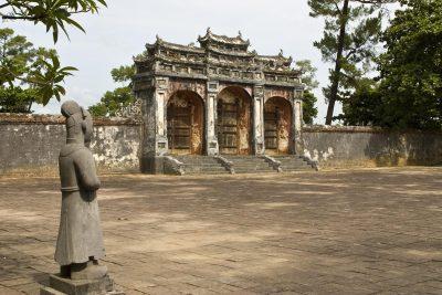 Vietnam Reise -Vietnam Rundreise -Koenigliche Greaber - Hue