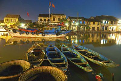 Kambodscha Laos Vietnam Rundreise -Vietnam Gruppenreise - Nachts am Fluss - Hoi An