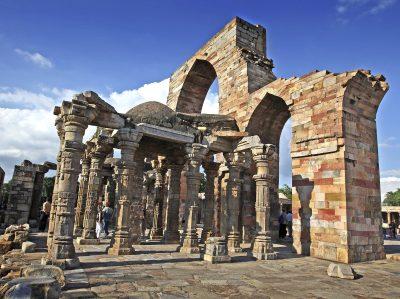 Fahrradreise Indien -Ruinen von Qutub Minar - Dehli - Indien
