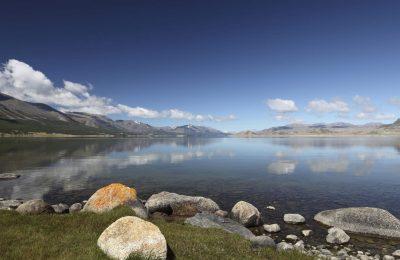 Erlebnisreise Mongolei -Mongolei Reiturlaub -Gruppenreise - Mongolei -Seenlandschaft - Weisser See - Mongolei