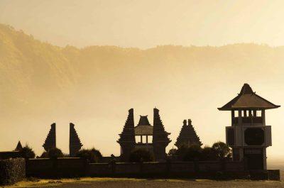 Tempel - beim Mount Bromo - Java - Indonesien