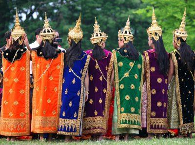 Laos individuell -Laos Rundreise -Traditionelle Kleider - Luang Prabang - Laos