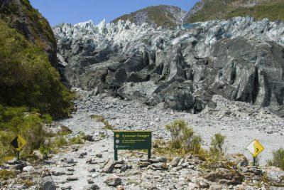 Vorsicht Schild am Fox Glacier - Neuseeland