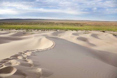 Mongolei Rundreise -Gruppenreise Mongolei - Wuestenlandschaft - Wueste Gobi - Mongolei