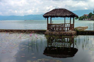 Indonesien Rundreise - Tuk Tuk auf dem Toba See - Toba
