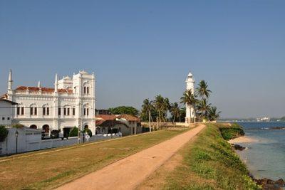 Sri Lanka Rundreise - Leuchtturm und Schule - Galle