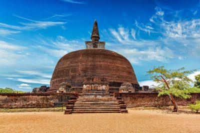Sri Lanka Rundreise -Ruvanveli Dagoba -Polonaruwa