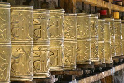Individualreise Bhutan -Rundreise Bhutan -Gebetsrollen - Kloster - Bhutan