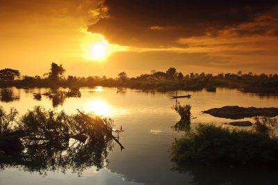 schoener Sonnenuntergang am Mekong - Laos