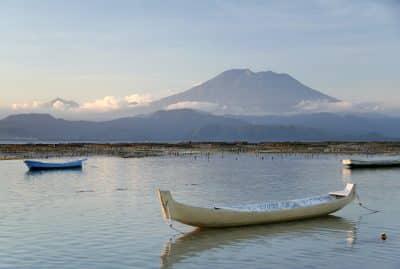 Indonesien Bali Sulawesi Rundreise -See mit Boot - Gunung Batur - Bali Indonesien