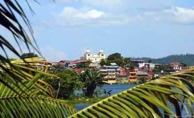 Blick auf See - Flores - Guatemala