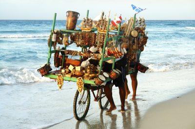 Souvenirverkauf am Strand - Kuba